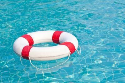 Socorrista de piscinas caeb confederaci n de asociaciones empresariales de las baleares - Socorrista de piscina ...